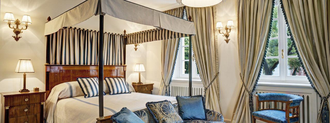Luxusresidenz: Ein Himmelbett in der Villa Garrovo