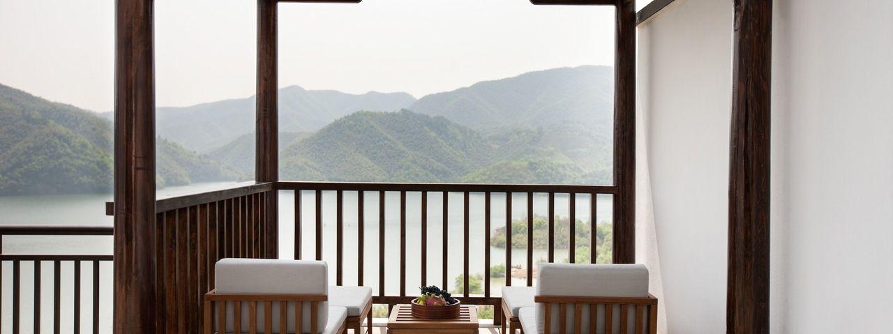 in china startet ein kologisches luxus resort ahgz hoteldesign. Black Bedroom Furniture Sets. Home Design Ideas