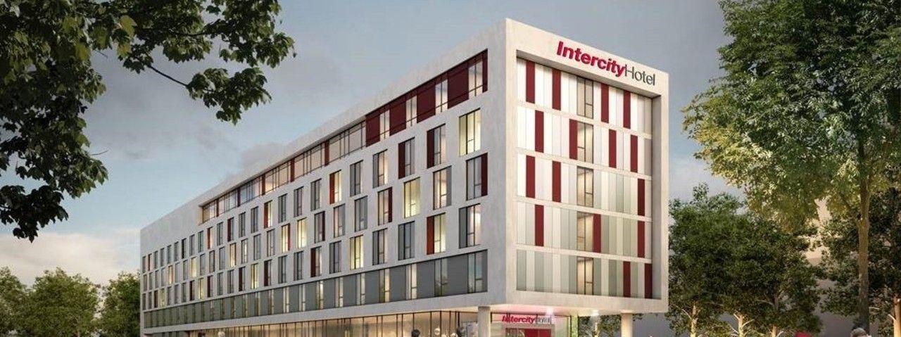 intercity hotel in duisburg feiert richtfest ahgz hoteldesign. Black Bedroom Furniture Sets. Home Design Ideas