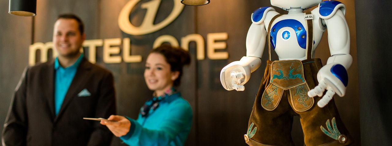 Roboter Sepp: Er kommuniziert mit den Gästen
