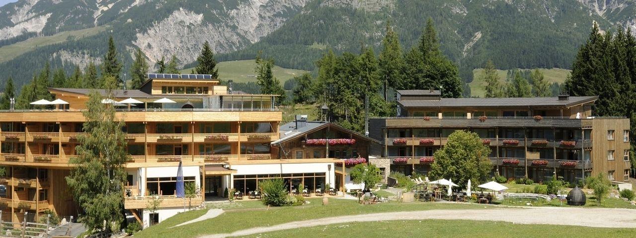 Holzhotel forsthofalm leogang gewinnt ahgz hoteldesign for Design hotel leogang