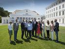 Welcome beim AHGZ Wellness-Gipfel 2016: AHGZ-Redaktion, Gastgeber und Referenten vor dem Grand Hotel Heiligendamm