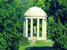 Pavillon im Park: Gartenfreunde finden in Deutschland lohnende Ziele