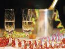 Feierstimmung: Die nordrhein-westfälische Gastronomie und Hotellerie lockt die Gäste zum Jahresende mit aufwändigen Menüs, Motto-Bällen und Schlummer-Angeboten