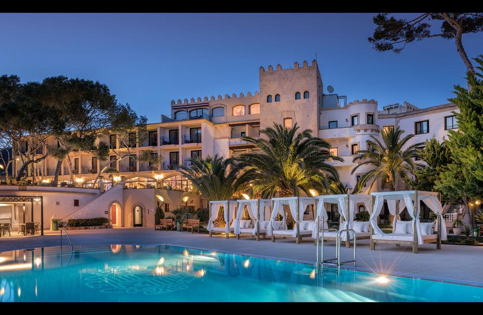 Fotostrecke hotel hesperia villamil startet auf mallorca for Design hotels auf mallorca