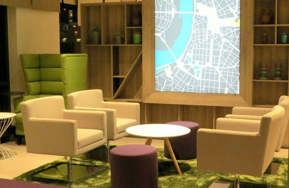 fotostrecke das neue holiday inn d sseldorf in bildern. Black Bedroom Furniture Sets. Home Design Ideas