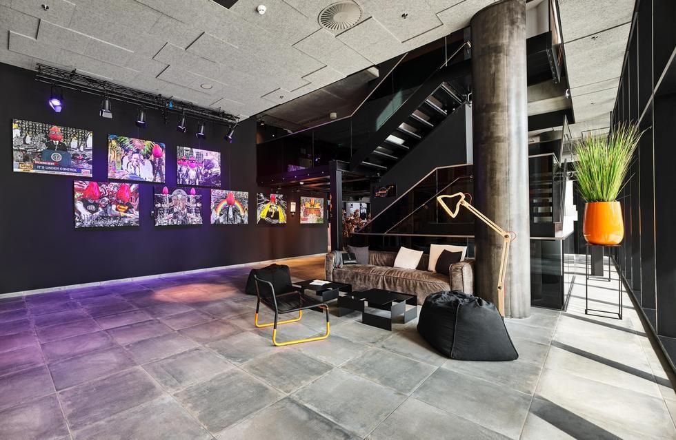 Fotostrecke in der lobby f ngt das wohnen an ahgz for Designhotel jaz stuttgart