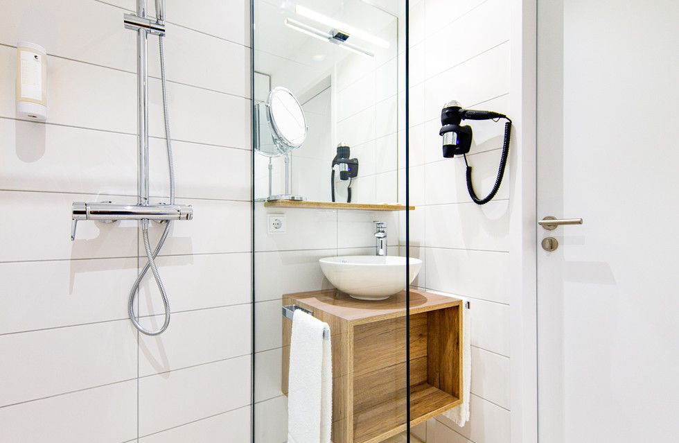 fotostrecke arthotel ana momentum in g ppingen er ffnet ahgz hoteldesign. Black Bedroom Furniture Sets. Home Design Ideas