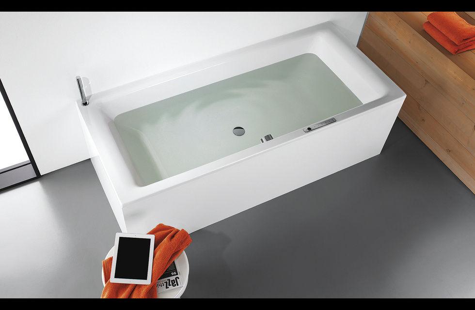 Fotostrecke mehr als wasser und badeschaum ahgz hoteldesign for Tablett badewanne