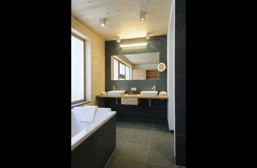 Fotostrecke kleines bad was tun ahgz hoteldesign for Leogang design hotel