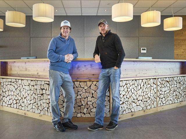 Sind jetzt Hoteliers: Rainer Schönfelder und Hermann Maier