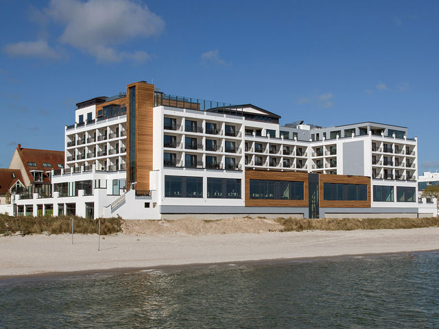 das bayside hotel in scharbeutz ahgz hoteldesign. Black Bedroom Furniture Sets. Home Design Ideas