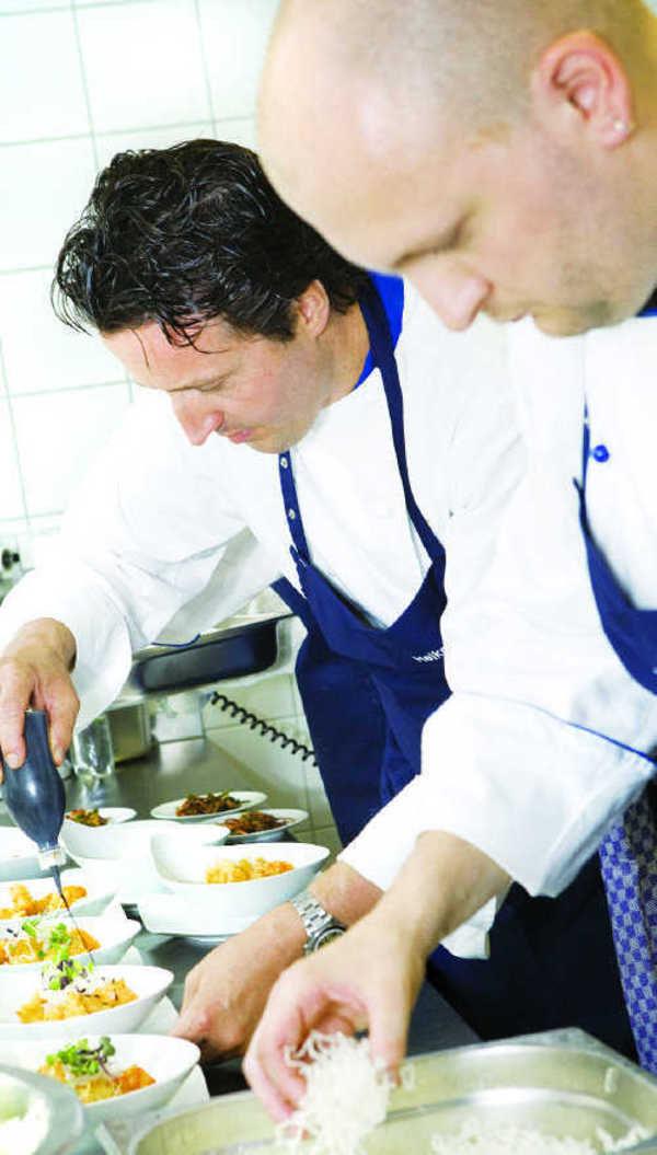 Große Küche im Culinarium: <b>Heiko Stock</b> (links) und Christian Giesche - grosse-kueche-im-culinarium-heiko-stock-links-und-chr