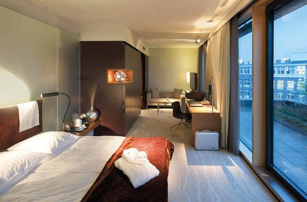 fu ball frauen schlafen im radisson blu in k ln allgemeine hotel und gastronomie zeitung. Black Bedroom Furniture Sets. Home Design Ideas