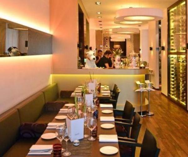 szenelokal bond berlin wieder ge ffnet allgemeine hotel und gastronomie zeitung ahgz 14. Black Bedroom Furniture Sets. Home Design Ideas
