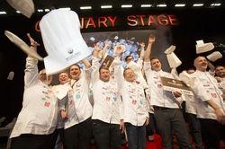 Traditioneller Mützenwurf: Jubel beim letzten Finale zum Koch des Jahres in Köln
