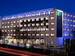 Wechselt Eigentümer und Betreiber: Das neun Jahre alte Holiday Inn Express Stuttgart Airport