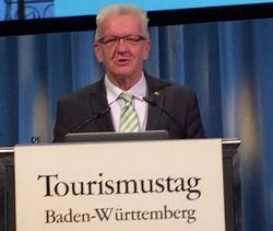 Lobte das Gastgewerbe: Baden-Württembergs Ministerpräsident spricht erstmals beim Tourimustag in Baden-Württemberg