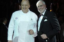 Gutes Team: (von links) Alfons Schuhbeck und Conrad Mayer, der Gastgeber des Münchener Gastronomenballs