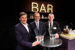 Glückliche Gewinner: Hotelier des Jahres Frank Marrenbach (Mitte) mit den Special-Award-Preisträgern Albert Weinzierl und Rudi Kull