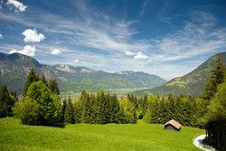 Idyllisch: DIe Landschaft in Bayern kommt bei Urlaubern gut an