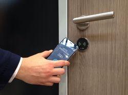 Türöffnen per Smartphone: Das präsentieren Häfele und Hotelbird bei der Intergastra