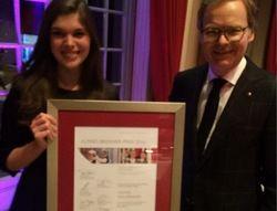 Stolz: Gewinnerin Celine Waldmann mit Frank Marrenbach, geschäftsführende Direktor im Brenners Park-Hotel & Spa