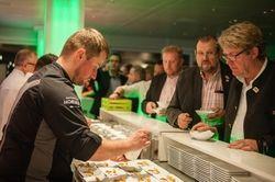 Leckeres von Spitzenköchen: Sebastian Frank aus Berlin (links) wird auch diesmal wieder mitkochen bei der Chef's Night.