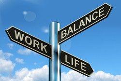 """Balance ist wichtig:  """"Wenn die Mitarbeiter zu viel arbeiten und zu wenig Zeit für ihre eigenen Interessen haben, werden sie auf Dauer unglücklich"""", sagt George Wyrwoll, HR-Experte bei Sodexo."""