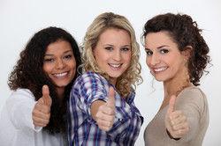 Zufrieden: Frauen haben bei Systemern gute Chancen