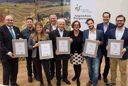 Gratulant und Sieger: (von links) Otto Völker, Selters, mit Markus Troll, Isabell Lerch, Thomas Lerch, Heinrich und Susanne Breuer, Pascal Kunert, Gerhard Retter und Willi Schlögel