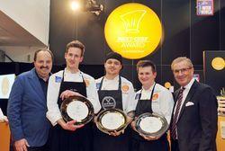 Freuen sich über den Erfolg: (von links) Johann Lafer, Julius Josef Reisch, Jonas Straube, Daniel Koch und Tagesschau-Chefsprecher Jan Hofer