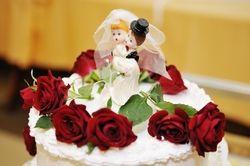 Hingucker auf jeder Hochzeitsfeier: Eine große Torte