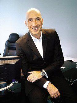 Olaf Philip Beck ist seit zwei Jahren General Manager des Side Hotels Hamburg. Zuvor war er für Marriott tätig <tbs Name=