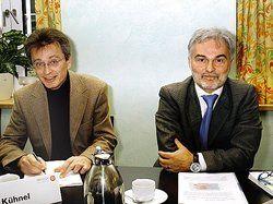 Legten Konjunkturbericht vor: <em> Gerhard Kühnel (links) und Bernd Luxenburger <tbs Name=