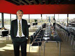 Gute Aussicht: <em>Pächter Hans Hubert Imhoff sieht den Erich-Brost-Pavillon als perfekte Ergänzung seines Angebots<tbs Name=
