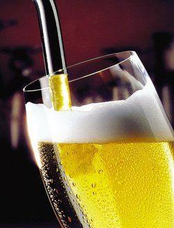 Teurer Gerstensaft: <em>Bier belastet das Budget <tbs Name=