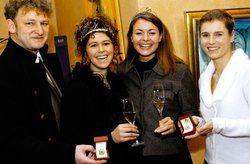 Pfälzer Weinadel: <em>Katja Schweder und Susanne Winterling (links) mit Annette Schleuning (rechts) <tbs Name=