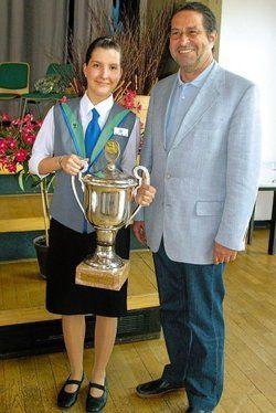 Die Siegerin: <em>Stefanie Bock mit ihrem Lehrherrn Michael Bumb <tbs Name=