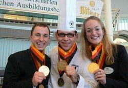 Glückliche Sieger: (von links) Rick Hochmuth, Johannes Wagner, Stefanie Schaaf