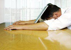 Bei europäischen Arbeitgebern noch kaum akzeptiert: <em>Der kurze Schlaf am Arbeitsplatz steigert die Leistungsfähigkeit und hält gesund<tbs Name=