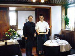 Petits fours zum Nachtisch: <em>Im Gasthof Krone setzen die neuen Betreiber Matthias Gugeler (links) und Patrick Giboin (rechts) auf herzlichen Service und hohe Qualität <tbs Name=