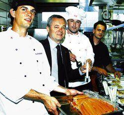 Einfallsreich: <em>(von links) Die Jungen Wilden Alexander Schoppmann, Casinodirektor Wolfgang Steurer, Jeremias Riezler, Markus Stanneck</em> <em><tbs Name=