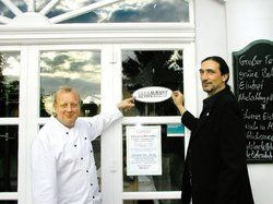Vorreiter: <em>(von links) Gastronom Klaus-Dieter Richter und Stefan Hansen von GlyxTreffen.com<tbs Name=