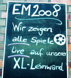 Das Spiel für Millionen: Kaum ein Gastronom in Hamburg lässt sich die Chance entgehen, mit EM-Übertragungen Gäste anzulocken