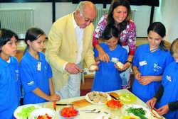 Brennpunkt Schule: Sarah Wiener und Alfred Biolek geben Nachhilfeunterricht im Fach Ernährung