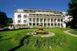 Von außen: Der Badische Hof in Baden-Baden