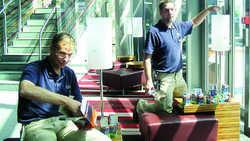 Sparsam und ökologisch: Lampenwechsel im Radisson SAS Frankfurt