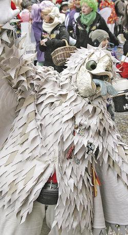 Drangvolle Enge: Beim närrische Treiben rund um den Bodensee setzen sich alte Masken und Kostüme trefflich in Szene