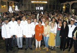 Die Münchner Innenstadtwirte im Festsaal des Hofbräuhauses mit ihren Gästen. <tbs Name=